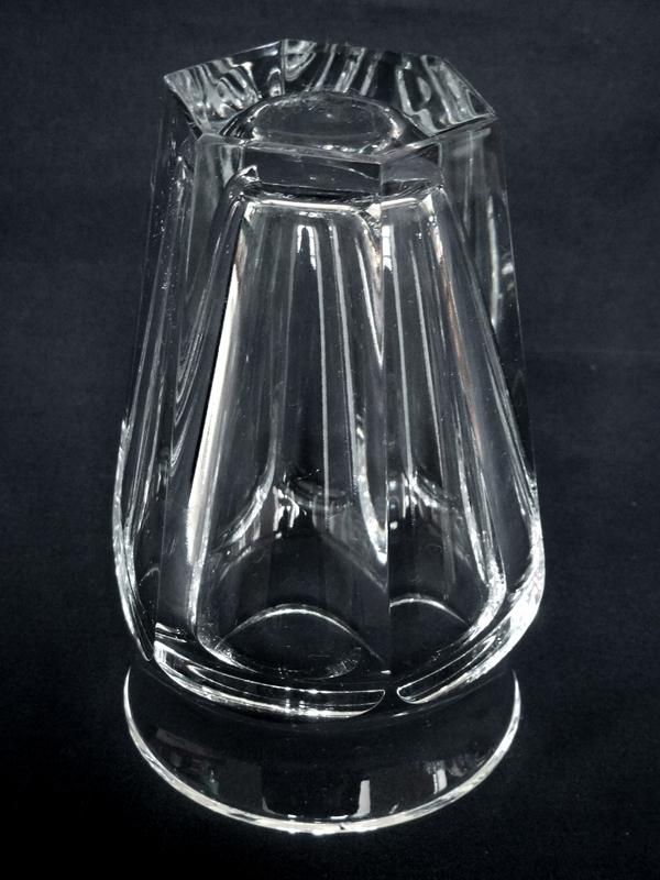 Vase en cristal de Baccarat, modèle Nelly - 12,9cm - signé