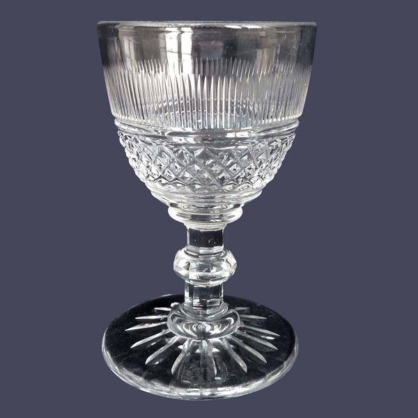 Verre à vin en cristal d'époque Charles X, Baccarat ou Le Creusot, proche modèle Trianon, XIXe siècle