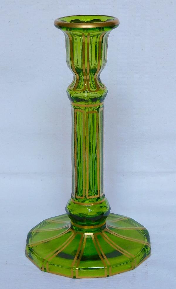 Bougeoir en cristal de Baccarat vert, modèle Cannelures rehaussé de filets or, étiquette papier d'origine