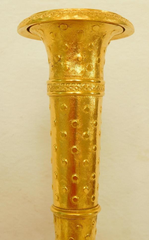 Paire de bougeoirs carquois en bronze ciselé et doré d'époque Directoire Empire