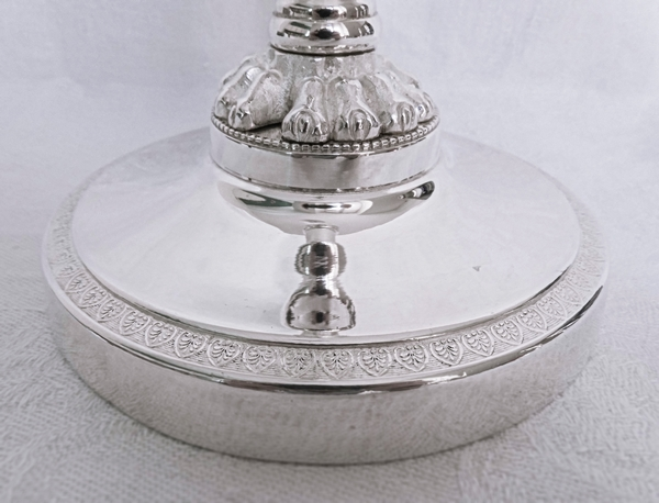 Paire de bougeoirs en bronze argenté d'époque Empire