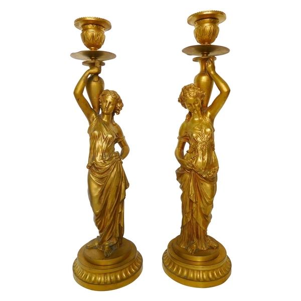 Paire de bougeoirs flambeaux aux Bacchantes en bronze doré, époque Napoleon III