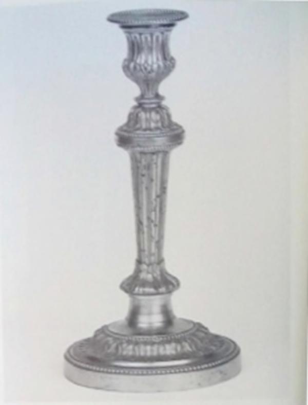 Paire de bougeoirs Louis XVI, modèle de Feuchère pour le Château de Fontainebleau - bronze doré
