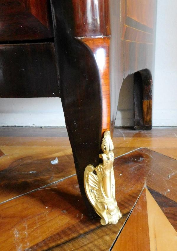 Armoire d'époque Transition Louis XV - Louis XVI en marqueterie estampillée Guignard