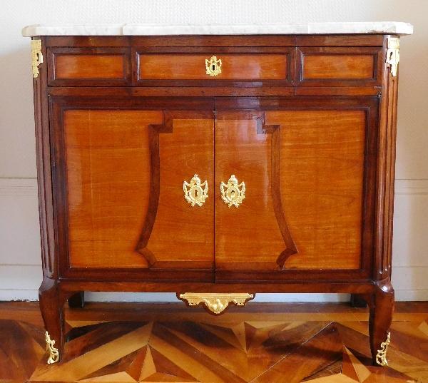 Buffet, commode à portes, meuble d'entre-deux en acajou et bois rose, époque Transition