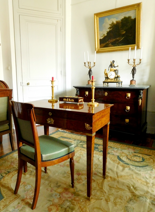 Bureau de dame - coiffeuse d'époque Empire Restauration en loupe