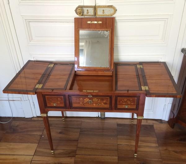 coiffeuse en marqueterie d 39 poque louis xvi par reizell. Black Bedroom Furniture Sets. Home Design Ideas