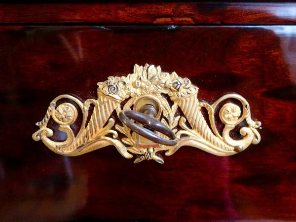 meuble de voyage commode console en acajou et bronze dor poque empire. Black Bedroom Furniture Sets. Home Design Ideas