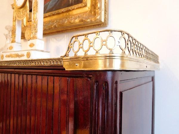 Console desserte en acajou d'époque Louis XVI, fin XVIIIe siècle