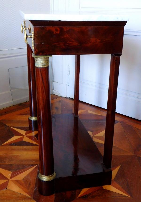 Petite console d'époque Empire Restauration en acajou, bronzes dorés au mercure