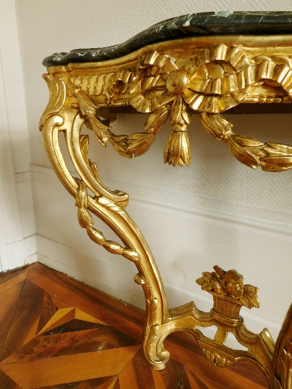 Console en bois sculpté et doré d'époque Transition Louis XV - Louis XVI, vers 1770