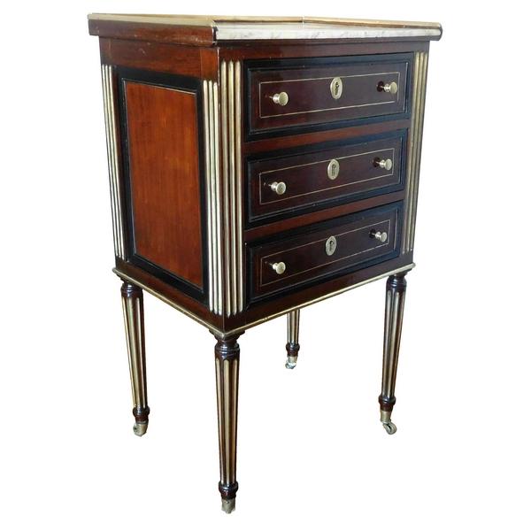 Table de salon, chevet d'époque Louis XVI Directoire en acajou chenillé et ébène