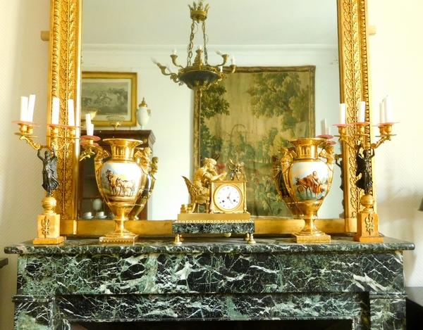 Très grand miroir de cheminée d'époque Empire, cadre en bois doré, glace au mercure - 130cm x 213cm