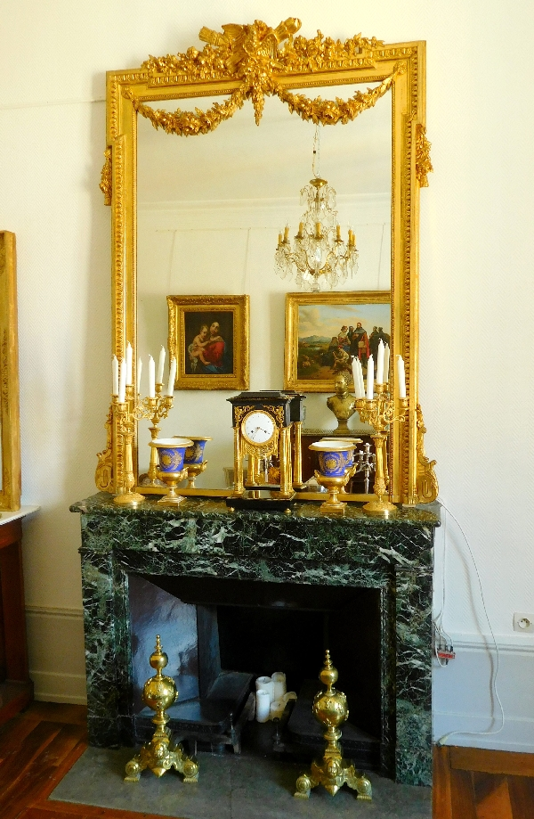 tr s grand miroir en bois dor de style louis xvi vers. Black Bedroom Furniture Sets. Home Design Ideas