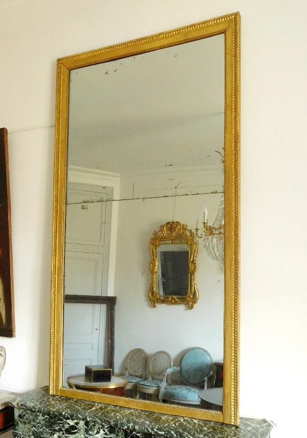 Grand miroir de cheminée, cadre en bois doré, glace au mercure, époque Louis XVI - 200cm