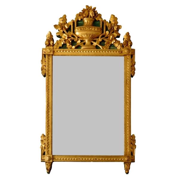Grande glace provençale en bois doré à la feuille d'or, époque Louis XVI