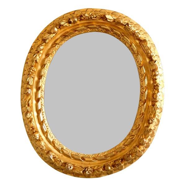 Cadre miroir ovale d'époque Louis XIII milieu XVIIe en bois sculpté et doré