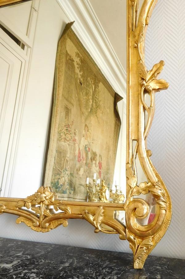 Grand miroir en bois doré, glace au mercure, travail provençal d'époque Louis XV - 138cm