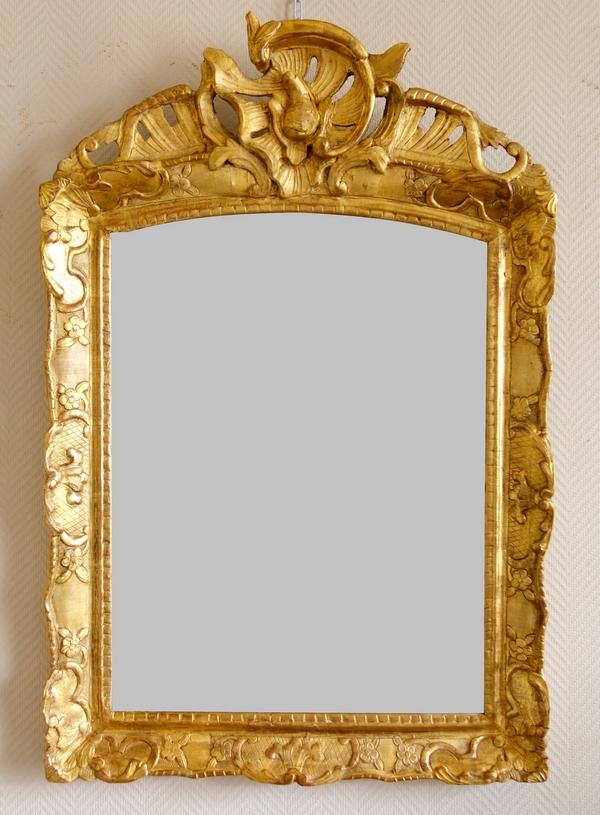 Miroir en bois doré d'époque Régence, glace au mercure - 95cm x 63,5cm