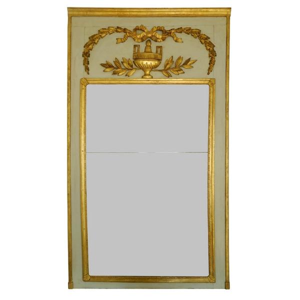 trumeau miroir de boiserie d 39 poque louis xvi en bois laqu et dor glace au mercure. Black Bedroom Furniture Sets. Home Design Ideas