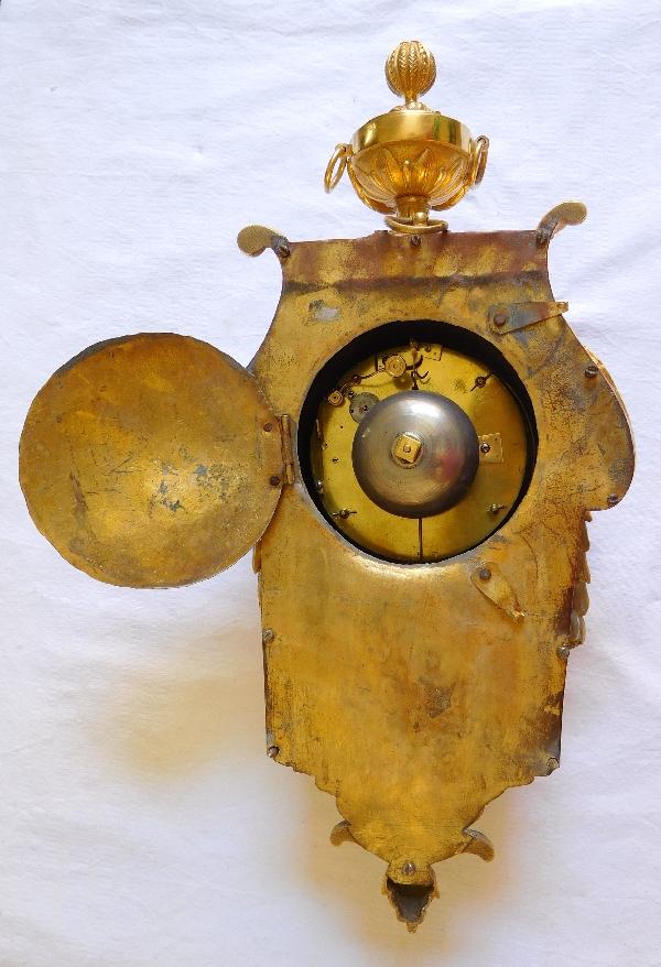 Cartel d'alcôve à sonnerie à la demande, bronze doré, époque Louis XVI