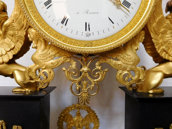 Pendule à la bacchante et sphinges en marbre et bronze doré au mercure - Louis XVI Directoire