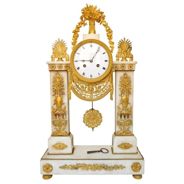 Grande pendule en marbre et bronze doré époque Directoire Consulat fin XVIIIe