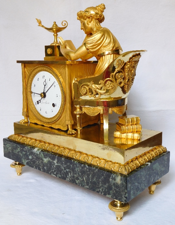 Pendule La Liseuse, d'après Reiche par Claude Galle & Grand Girard, bronze doré, époque Empire