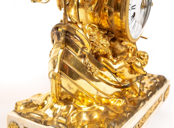 Pendule de l'allégorie du commerce maritime en bronze doré et marbre - époque Louis XV