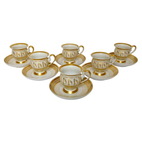 6 tasses à café de style Empire en porcelaine de Paris dorée à l'or fin, époque milieu XIXe