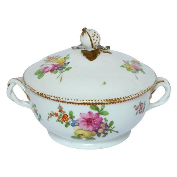 Bouillon en porcelaine de Boissettes, époque XVIIIe 1775-1781
