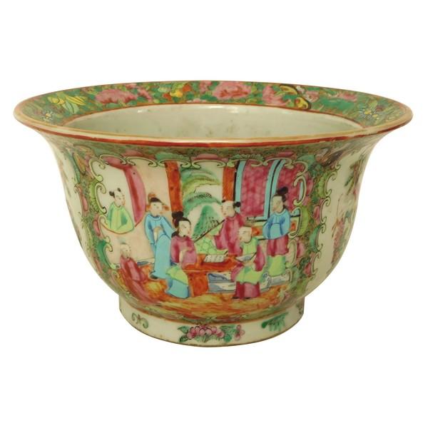 Grand cache-pot en porcelaine de Canton, époque XIXe - 25cm x 13,5cm