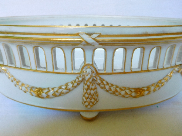 Jardinière de style Louis XVI en porcelaine de Paris blanc et or, époque 1900