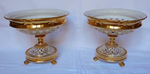 Paire de coupes ajourées en porcelaine de Paris dorée - époque Restauration vers 1830