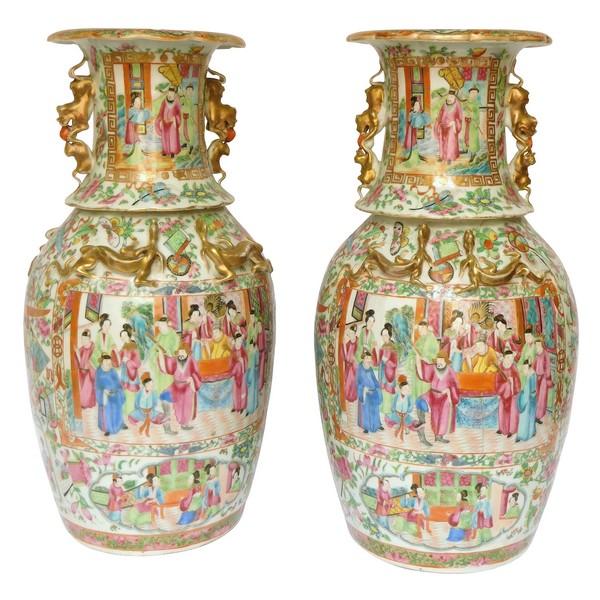 Paire de vases / potiches en porcelaine de Canton, Chine vers 1880 - 42cm