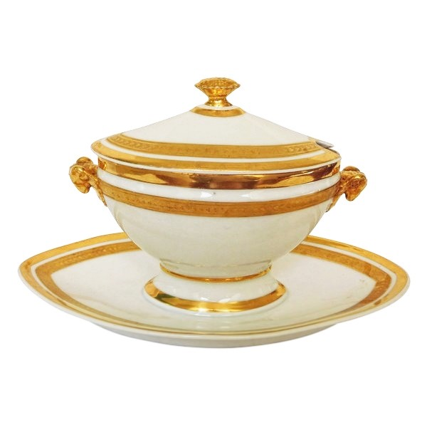 Saucière en porcelaine de Paris rehaussée à l'or fin, époque Empire