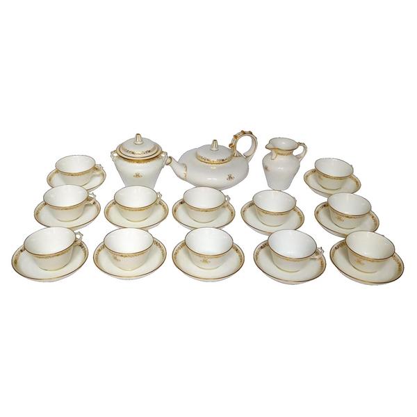 Porcelaine de Sèvres : service à thé complet pour 12 personnes, modèle Peyre doré à l'or fin, signé, 1888