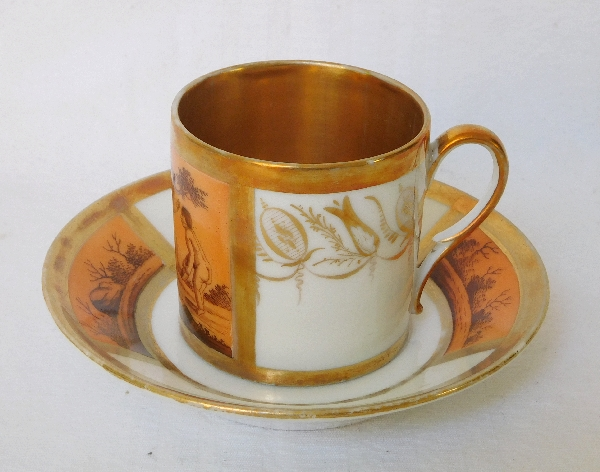Tasse litron en porcelaine de Paris dorée Empire en grisaille orange