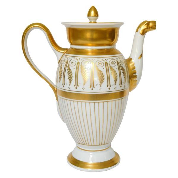 Verseuse de style Empire en porcelaine de Paris dorée à l'or fin, époque milieu XIXe