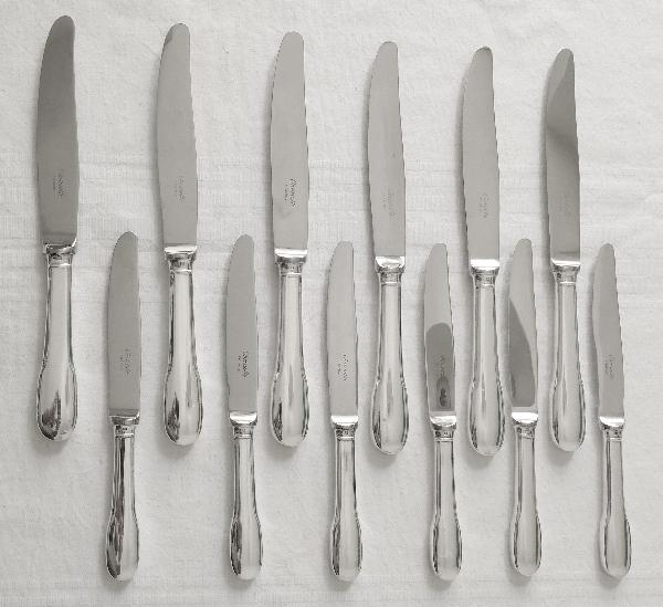 Couteau de table en métal argenté, Christofle, modèle Cluny (Uniplat / Vieux Paris)