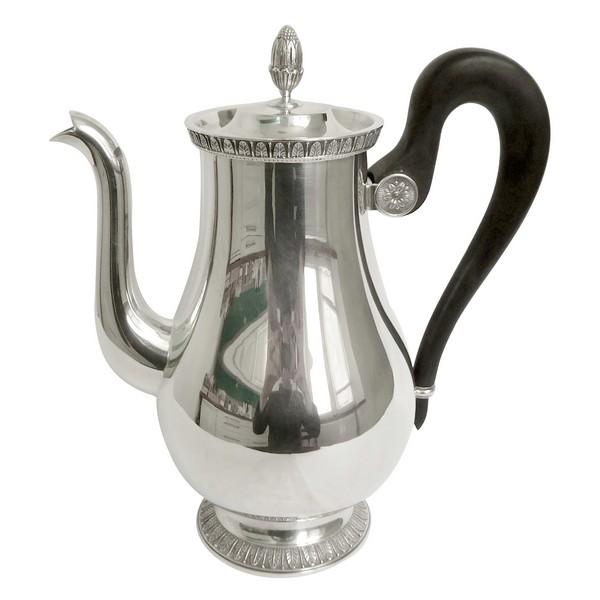 Verseuse, cafetière de style Empire en métal argenté Christofle, modèle Malmaison