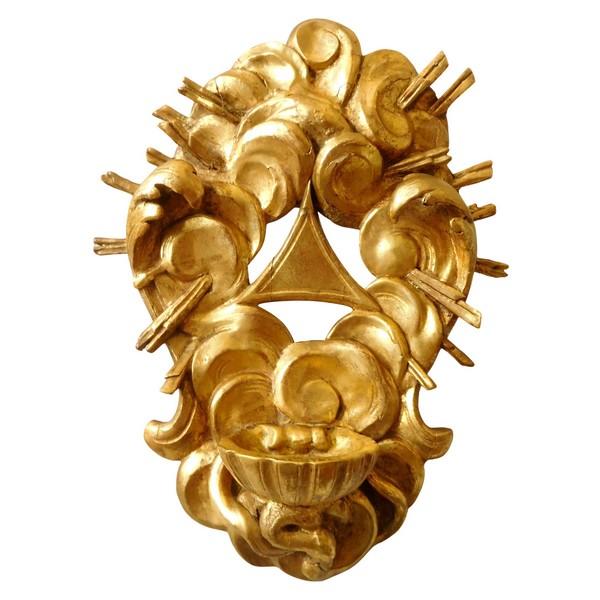 Bénitier baroque d'époque XVIIIe siècle en bois doré - Dieu le Père écrasant le Mal