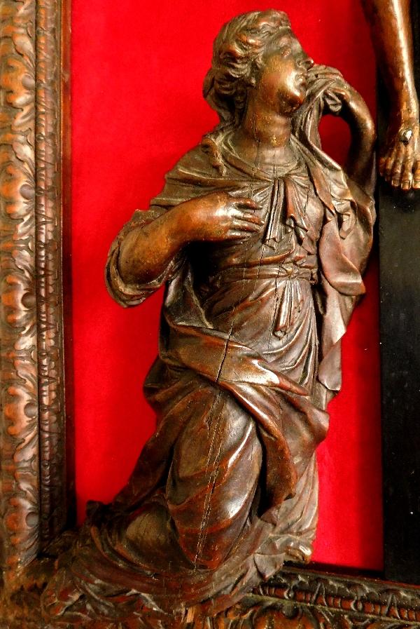 Christ en Croix avec Marie-Madeleine en bois de Bagard, travail nancéen fin XVIIe Siècle