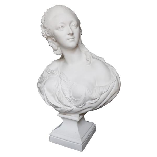 Grand buste de la Comtesse du Barry en biscuit, d'après Augustin Pajou