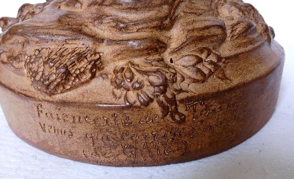 Vénus corrigeant l'amour d'après Cyfflé, terre cuite patinée