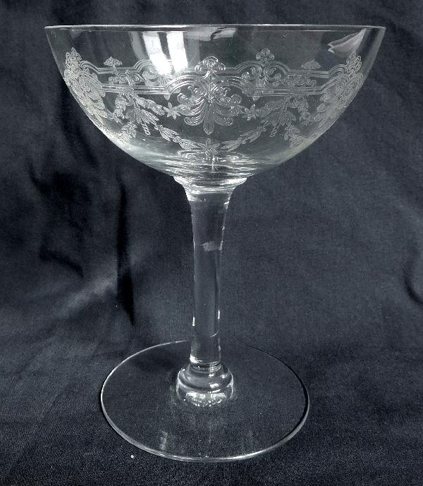 Coupe à champagne en cristal de Baccarat, modèle Beauharnais