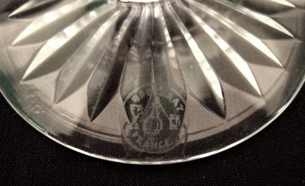 Grand verre à vin en cristal de Baccarat, modèle Buckingham, 13,3cm, signé