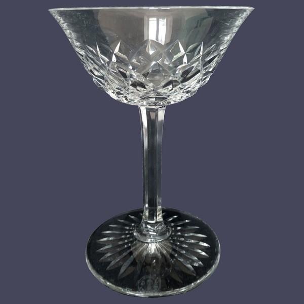 Coupe à champagne en cristal de Baccarat, modèle Burgos - signé