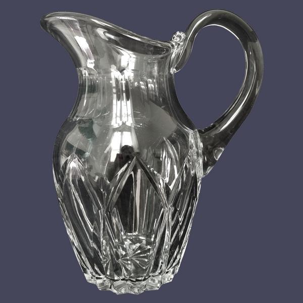 Pichet / broc / carafe à eau en cristal de Saint Louis, modèle Camargue - signée