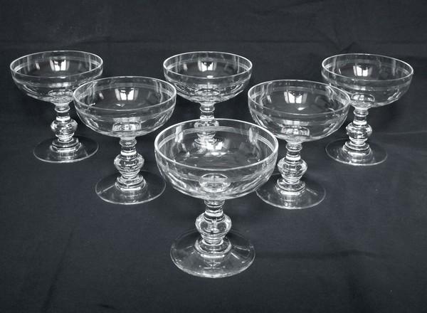 Coupe à champagne en cristal de Baccarat, modèle Chauny jambe balustre applati